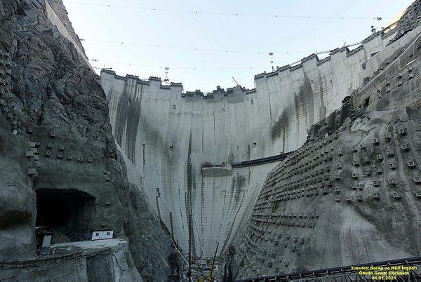 Artvin'deki Yusufeli Barajı için son harç atılıyor