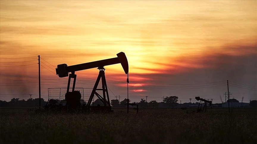 Petrol Stoklarındaki Düşüş,Fiyatları Yükseltti