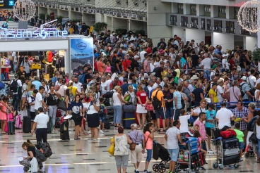 Turizm'in başkenti Antalya'ya Rus turist yağıyor..!